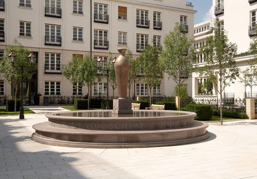 Fontän, SKARSTAD Röd Bohus, Slipad, München Tyskland, Hallindens Granit AB
